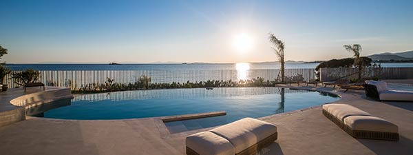Luxury Villa Oceanfront in Athens Riviera